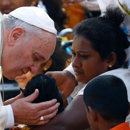 Paus: 'Vastentijd bij uitstek geschikt voor werken van barmhartigheid'