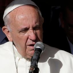 Paus spoort jongeren aan de hoop niet te verliezen