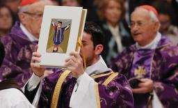 Paus tot diakens: 'Wie dient heeft geen vrije tijd'