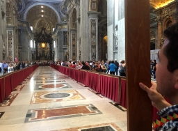 Priesterstudenten pelgrimeren naar Rome